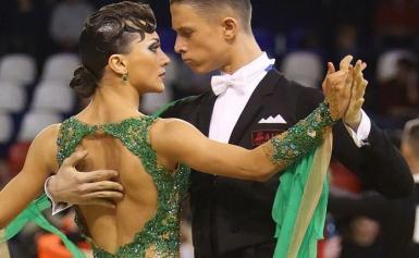 прическа для бальных танцев (двоеборье) 6